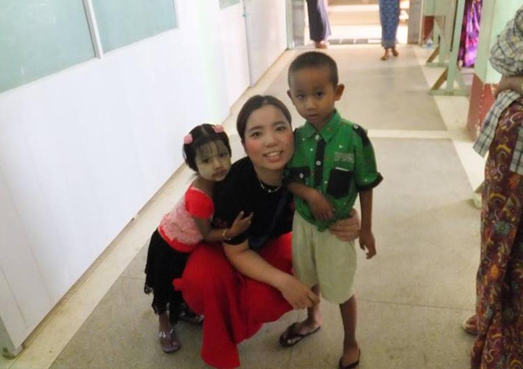 国際看護長期研修で半年間過ごした第二の故郷ミャンマーのワッチェ慈善病院で子どもと共に