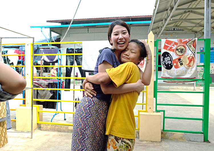 ミャンマー ボランティア 里親 看護師