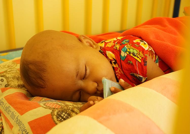 カンボジア ジャパンハートこども医療センターでの医療活動