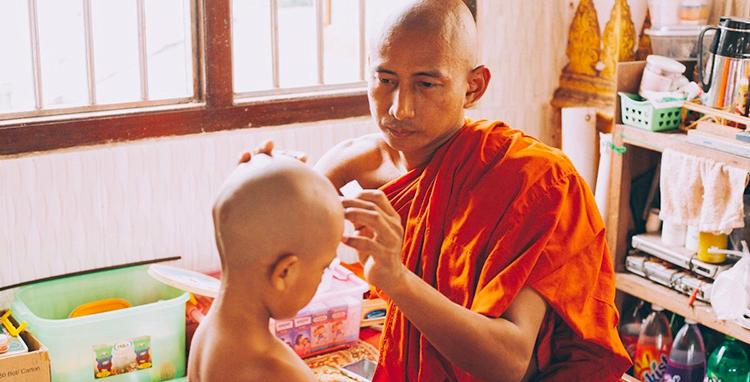 僧院往診 ミャンマー 医療活動