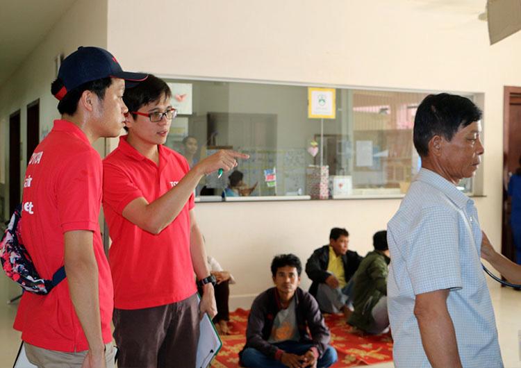 スタッフをカンボジアに派遣し、病院の環境改善に尽力