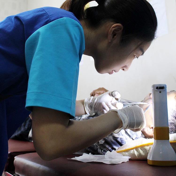 いのちと向き合う勇気 カンボジア 看護師