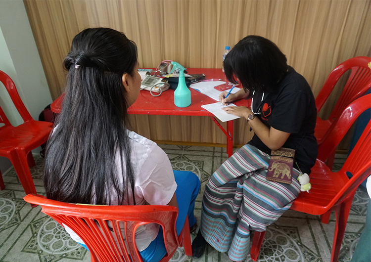 2日で300人以上の外来診察!Htee Saungで巡回診療を行いました。