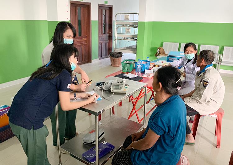 ラオス 北部・ウドムサイ県での甲状腺疾患治療事業並びに技術移転活動