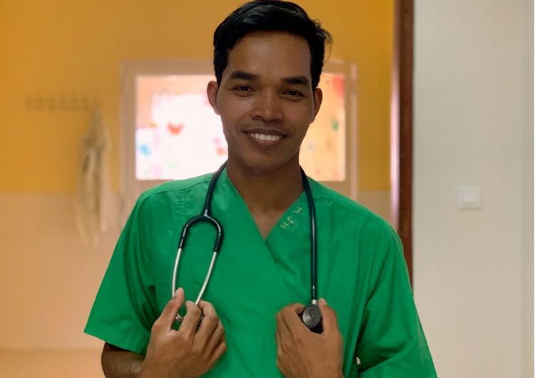 カンボジアで活躍するスタッフ インタビューVol.2  ピエン看護師