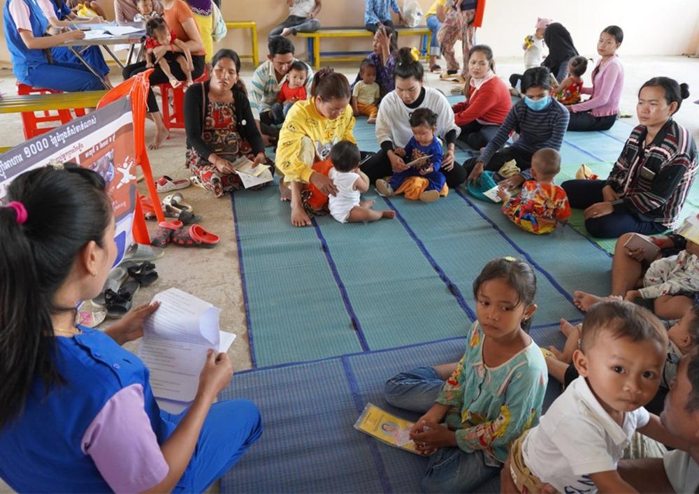 ジャパンハート カンボジア 乳幼児健診で栄養指導を実施しました。
