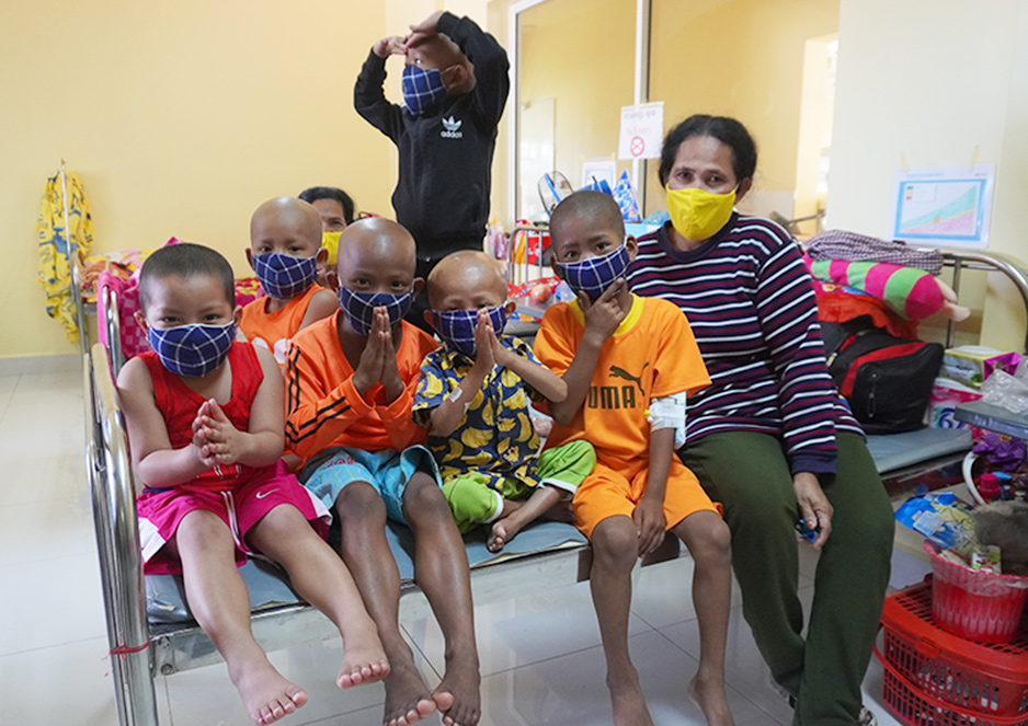 カンボジア発のファッションブランドSuiJoh 様から小児がんの子どもたちへマスクをご寄付頂きました!