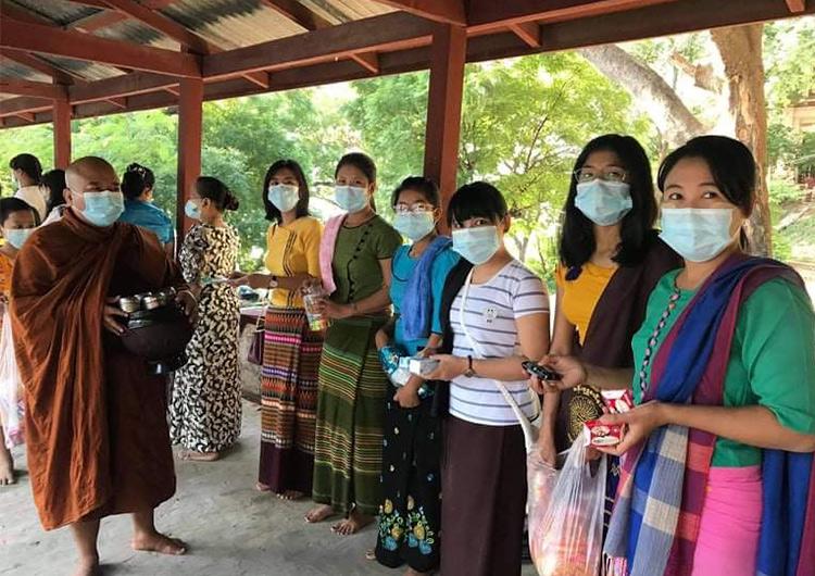 ミャンマ―が世界有数の寄付大国だということをご存知でしょうか?